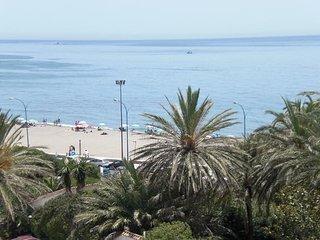 Beachfront vacation in Fuengirola Ref 102