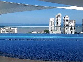 Hermoso apartamento con vista al mar,  piscina y jacuzzis ,cerca a la playa.