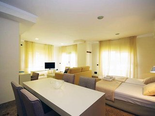 Penthouse with terrace. 2 PAX. Catedral. CAT 51