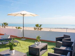 2 Bedroom apartment with terrace. Malvarrosa Beach. SUN 2