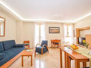 2 Bedroom apartment with balcony. VIV 22