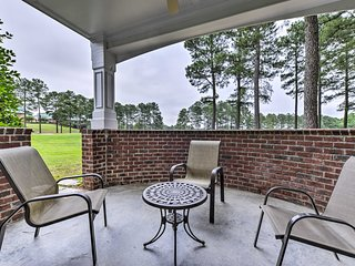 NEW:Spring Lake Condo w/Pool Access on Golf Course