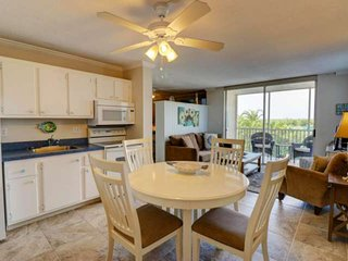 Newly Listed Beach Escape! Charming Studio Condo, Steps to Bonita Beach! Free Wi