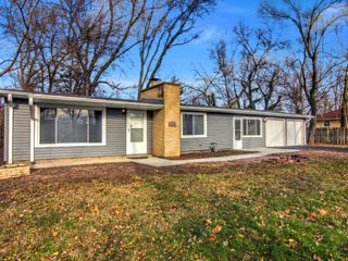 Modern Home - Great Location - Long Term Renters