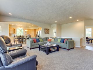 3,200 square feet of comfort w/private hot tub and a shared pool!
