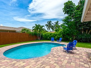 Modern 3BR Townhouse w Great Amenities+Private Pool