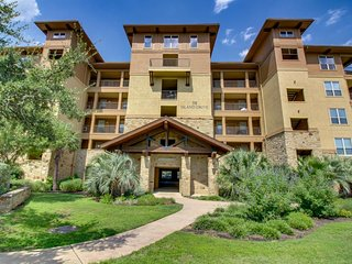 NEW LISTING! Waterfront condo w/ pristine shared pool & nearby golf courses