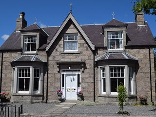 SPECIAL OFFER- BRAEMAR GATHERING.  GRANVILLE HOUSE, BALLATER.    Sleeps 8. PETS