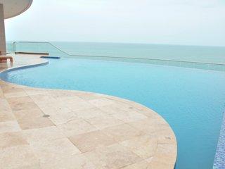 Luxury Oceanfront 2 Bedroom Condo