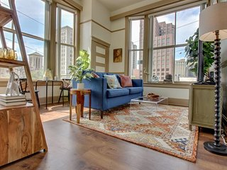 NEW LISTING! Riverfront apartment in the heart of downtown - close to everything