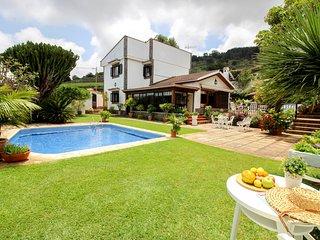 Villa Oaks, Villa Vistas al Mar rodeada de Viñedos