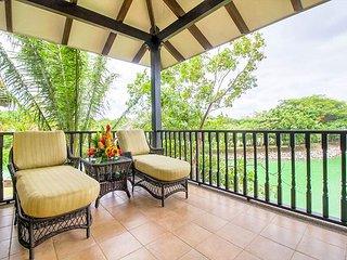 3-Bedroom Luxury Villa in Easy Walking Distance to the Beach