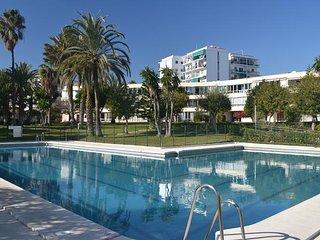 Apartamento con piscina a 10 minutos de la playa