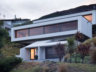 Queenstown Holiday Villa 12050