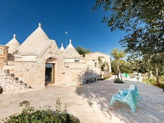 Design Trullo House - indoor SPA pool - Outdoor Jacuzzi - stunning terrace