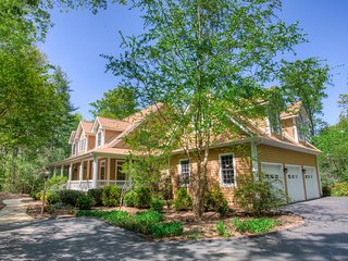 Deerhaven Hideaway; Luxurious Convenience to Biltmore Park, Asheville, restauran