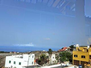 Grosse Ferienwohnung, mit sehr grosser Terrasse und fantastischem Meerblick