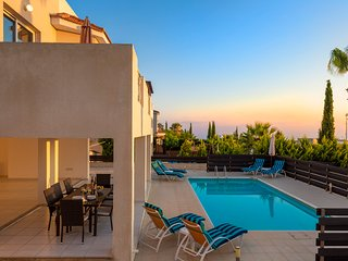 Villa Emelita, Peyia- Large 4 bedroom Villa on 3 levels and Sea Views