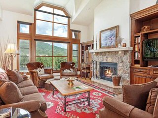 True Ski In/Ski Out, Hot Tubs, Expansive Mtn Views, Walk to Shops & Dining, Idea