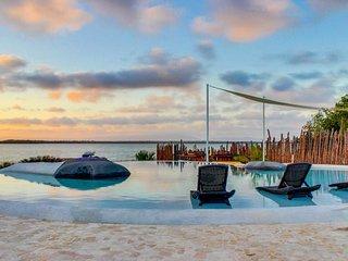 Lovely beachfront studio retreat w/ resort access, infinity pool