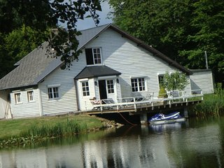 Cottage 5 chambres au bord d'un etang