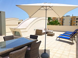 Moura Praia CD 130 | With Private Roof Terrace | Located in Marina