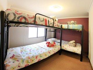 Albaka Hostel / Shared Room x4