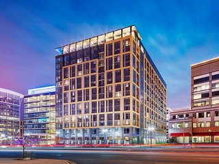 Global Luxury Suites in Ballston