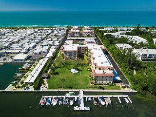 Longboat Key Cosy 1bed/1bath between white sand beach and Sarasota bay.