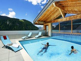 Your Escape to the Alps! Cozy + Bright Mountain Retreat