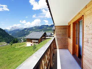 Your Escape to the Alps! Cozy + Bright Mountain Retreat