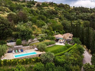 Tuscany at your door step: Beautiful Home in Cortona, WiFi, Pool, Views, Privacy