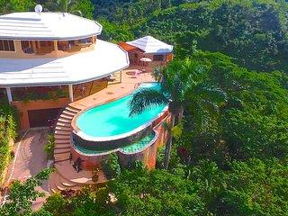 Villa Magua, magnifique villa entre mer et montagne avec vue a couper le souffle