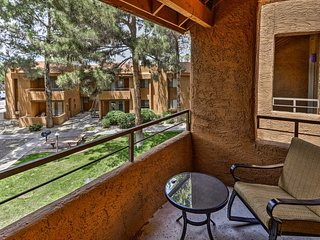 Spacious Phoenix Condo w/ Pool & Hot Tub Access!