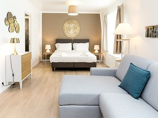 Saul - Wonderful studio in the heart of the European District