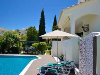 Great traditional four bedroom villa.