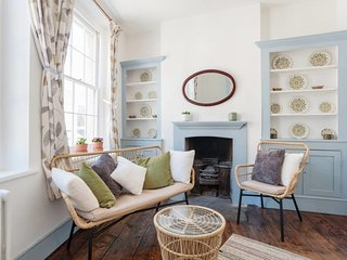 Charming 3Bed House w/Private Terrace in Shoreditch