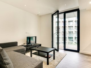 Modern 1 bed w/Balcony 10 mins to Brick Lane