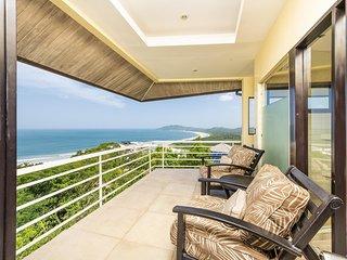 Villa Paraiso, Amazing 8 Bedroom Ocean View Luxury Villa