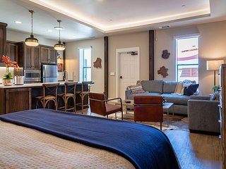 Gracious Suite Living Above Downtown Paso Robles