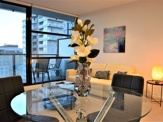 1 Bdr Apt Near Crown (RS2105/50H)