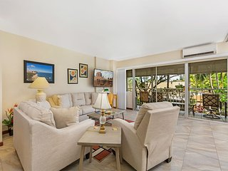 Spacious Suite w/Kitchen Convenience, Free WiFi, Washer/Dryer–Waikiki Shore #216