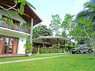 Villa Peacock Galle -  Deluxe Double or Twin Room with Garden View
