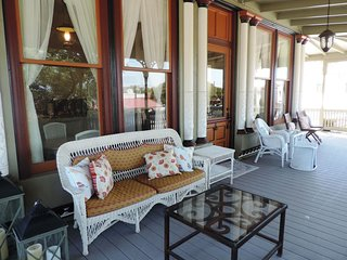 RS Hanna Gallery Balcony Suite | Fredericksburg Vacation Rental