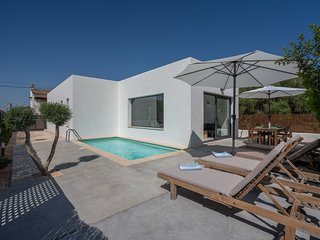 Es Buscaret; a modern house for  perfect mediterranean holidays