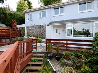 Woodview - Newly refurbished house with lovely outside space and river views