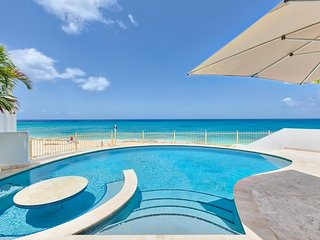 BAHARI... Fabulous beachfront villa, breathtaking sunsets!