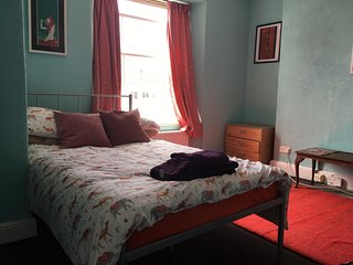 Beautiful vintage room in Bristol centre (31)