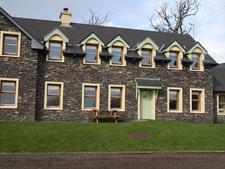 Dingle Courtyard Cottages (2 Bed - Sleeps 6)