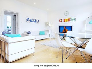 Central Beautiful Modern Apartment for 4 Guests
